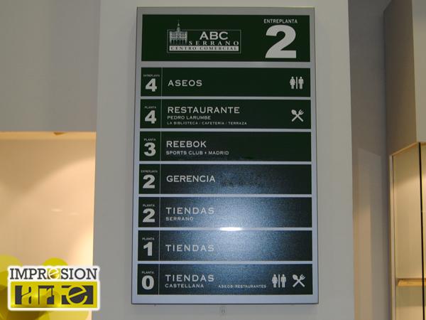 Señalización interior centros comerciales